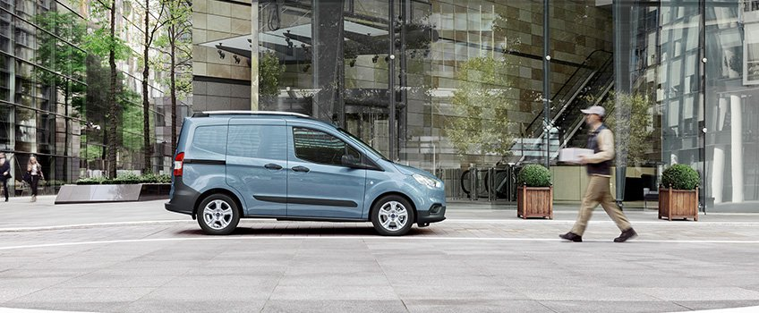 ford_tansit_courier_foto_06.jpg