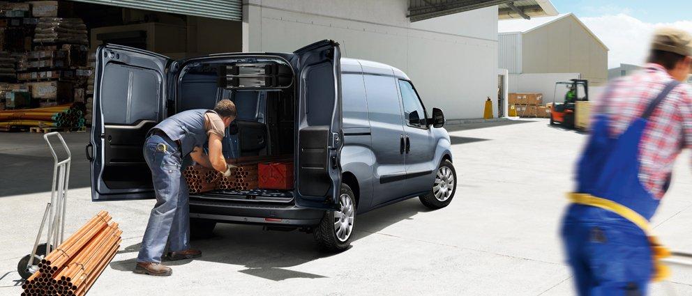Opel_Combo_Cargo_Exterior_View_992x425_cm125_e01_008.jpg