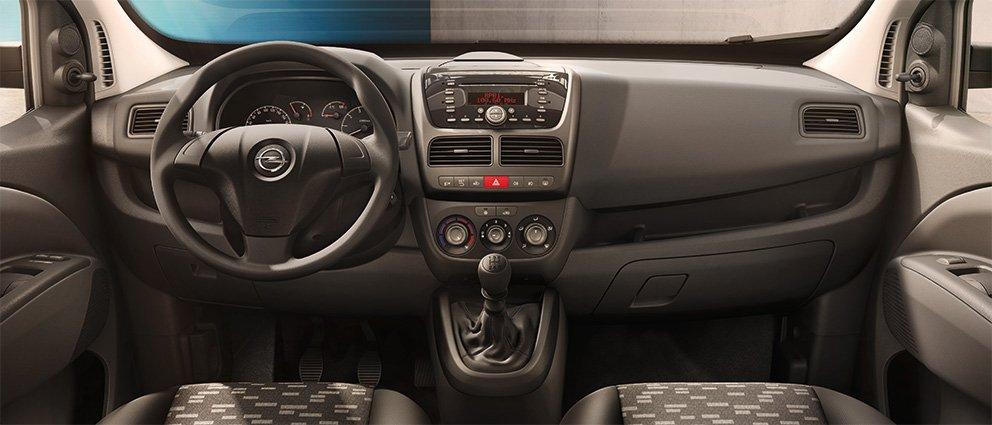 Opel_Combo_Cargo_Interior_View_992x425_cm14_i02_001.jpg