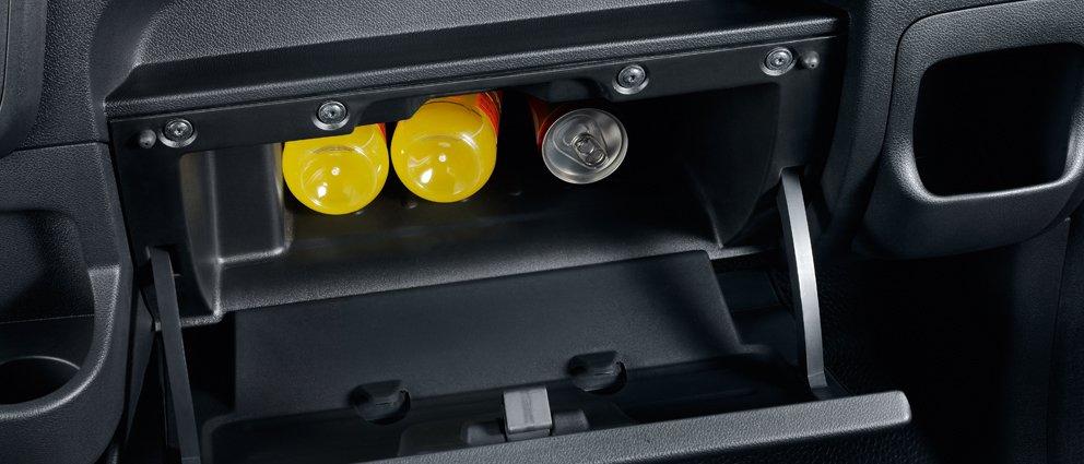 Opel_Movano_Interior_View_992x425_mo13_i02_638.jpg