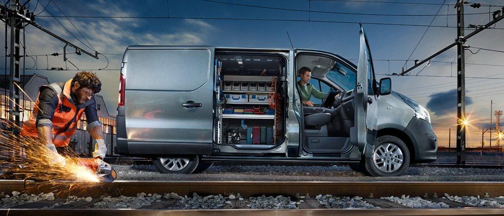 Opel_Vivaro_Panel_Van_Design_992x425_vi15_e01_698.jpg