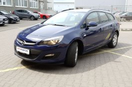 Opel Astra                     Essentia                      kombi