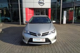 Toyota Auris                     ACTIVE                      kombi